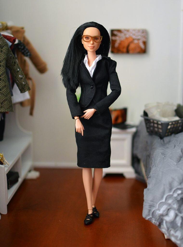 OOAK-Repainted-Black-Hair-Made-to-Move-Barbie-OOTD-Business-Professional pic 01.jpg