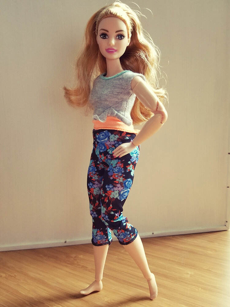 Plastically Perfect - Playscale Enthusiast Doll Review - 2018 Strawberry Blonde Curvy Made to Move Barbie 02.jpg