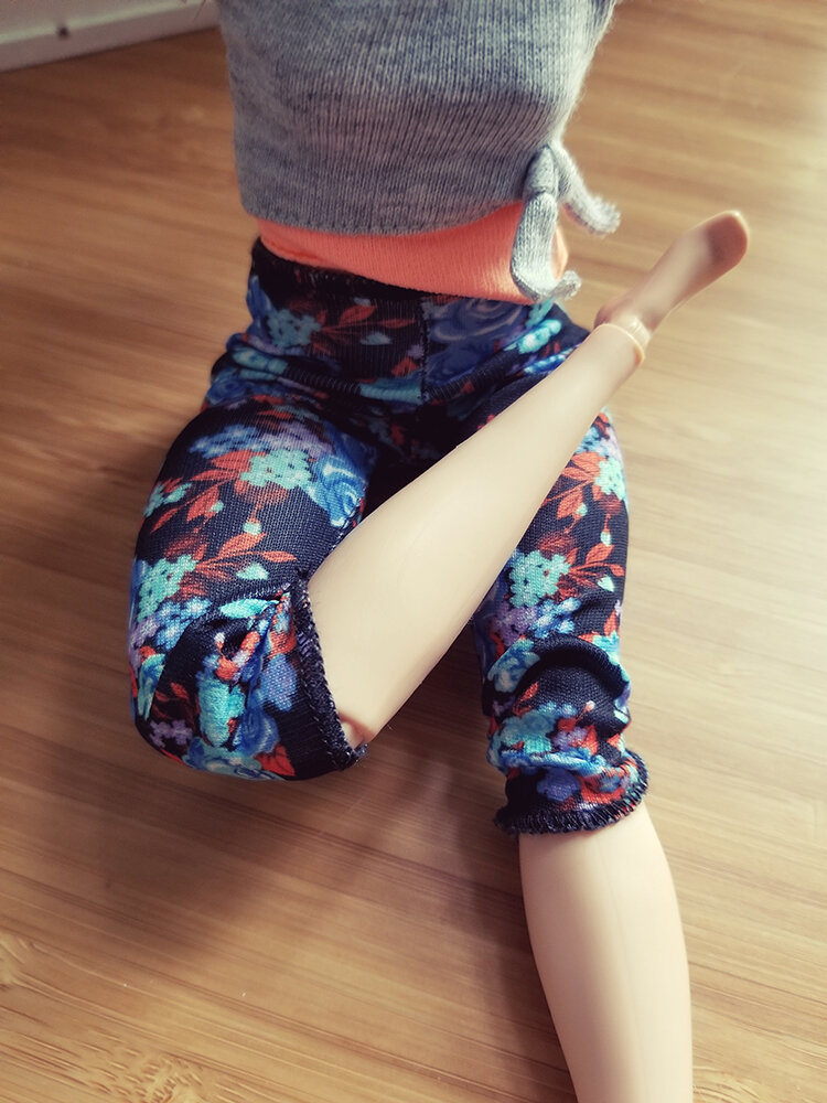 Plastically Perfect - Playscale Enthusiast Doll Review - 2018 Strawberry Blonde Curvy Made to Move Barbie 05.jpg