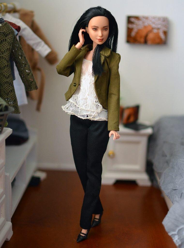 OOAK-Repainted-Black-Hair-Made-to-Move-Barbie-OOTD-Business-Casual Pic 03.jpg