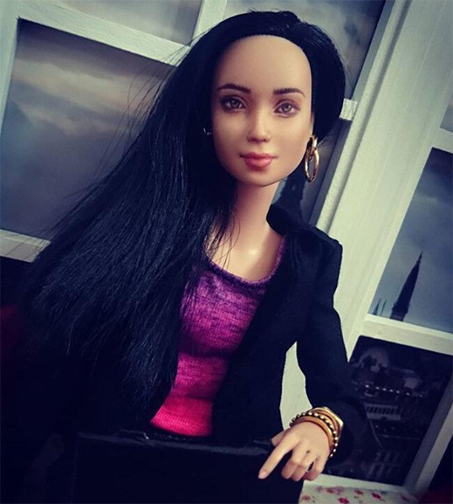 OOAK-Repainted-Black-Hair-Made-to-Move-Barbie-OOTD-Business-Casual-update.jpg