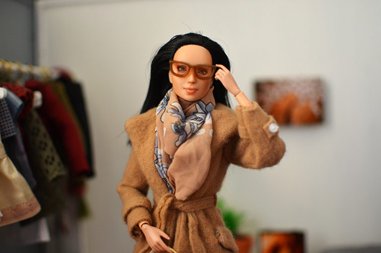 OOAK-Repainted-Black-Hair-Made-to-Move-Barbie-OOTD-Autumn-Layers-Camel-Coat 02.jpg