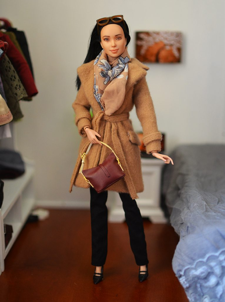 OOAK-Repainted-Black-Hair-Made-to-Move-Barbie-OOTD-Autumn-Layers-Camel-Coat 04.jpg