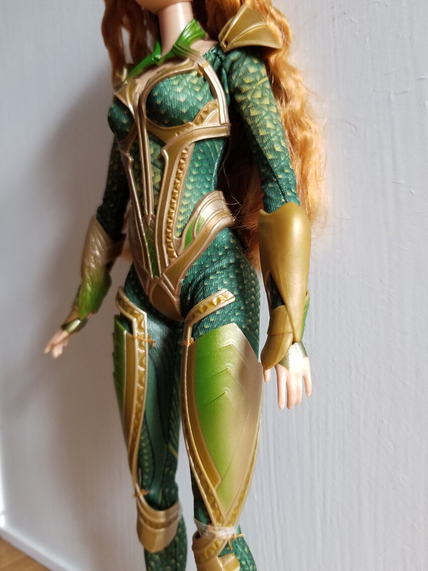 Plastically Perfect - Playscale Enthusiast Doll Review - 2017 Justice League Mera Barbie 03.jpg