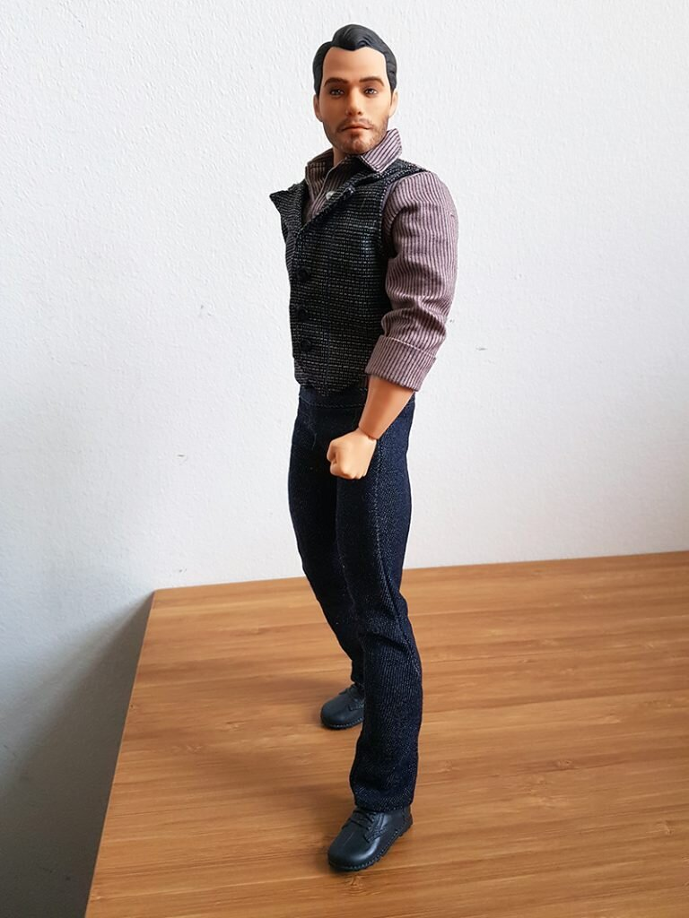OOAK Superman 12IN Articulated Figure - Cole - Plastically Perfect - Post Repaint 01.jpg
