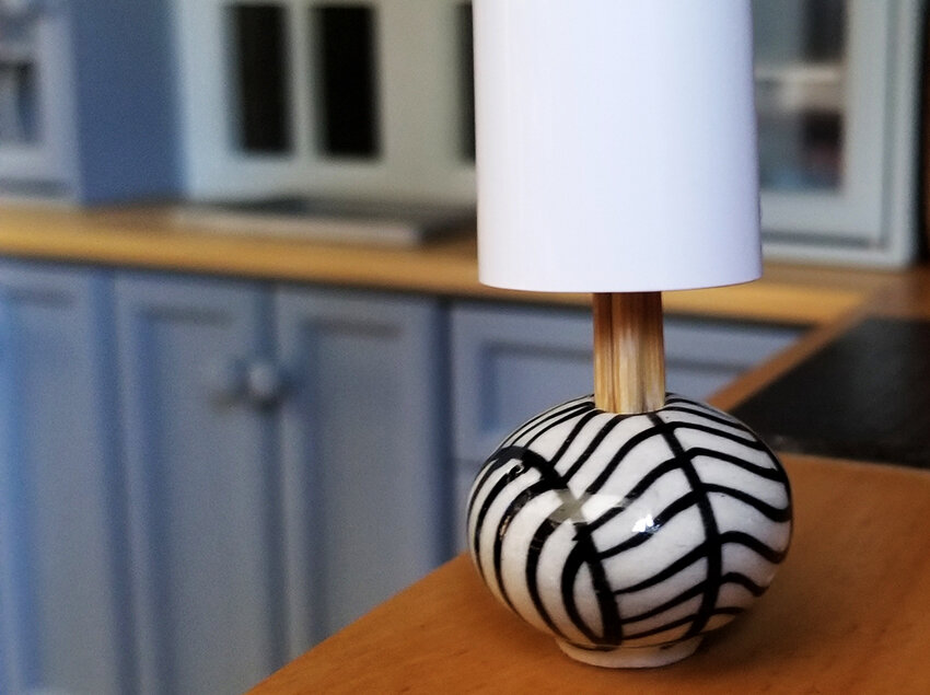 Barbie Diorama DIY accessories - Plastically Perfect - Diorama Modern Lamp with Shade preview.jpg