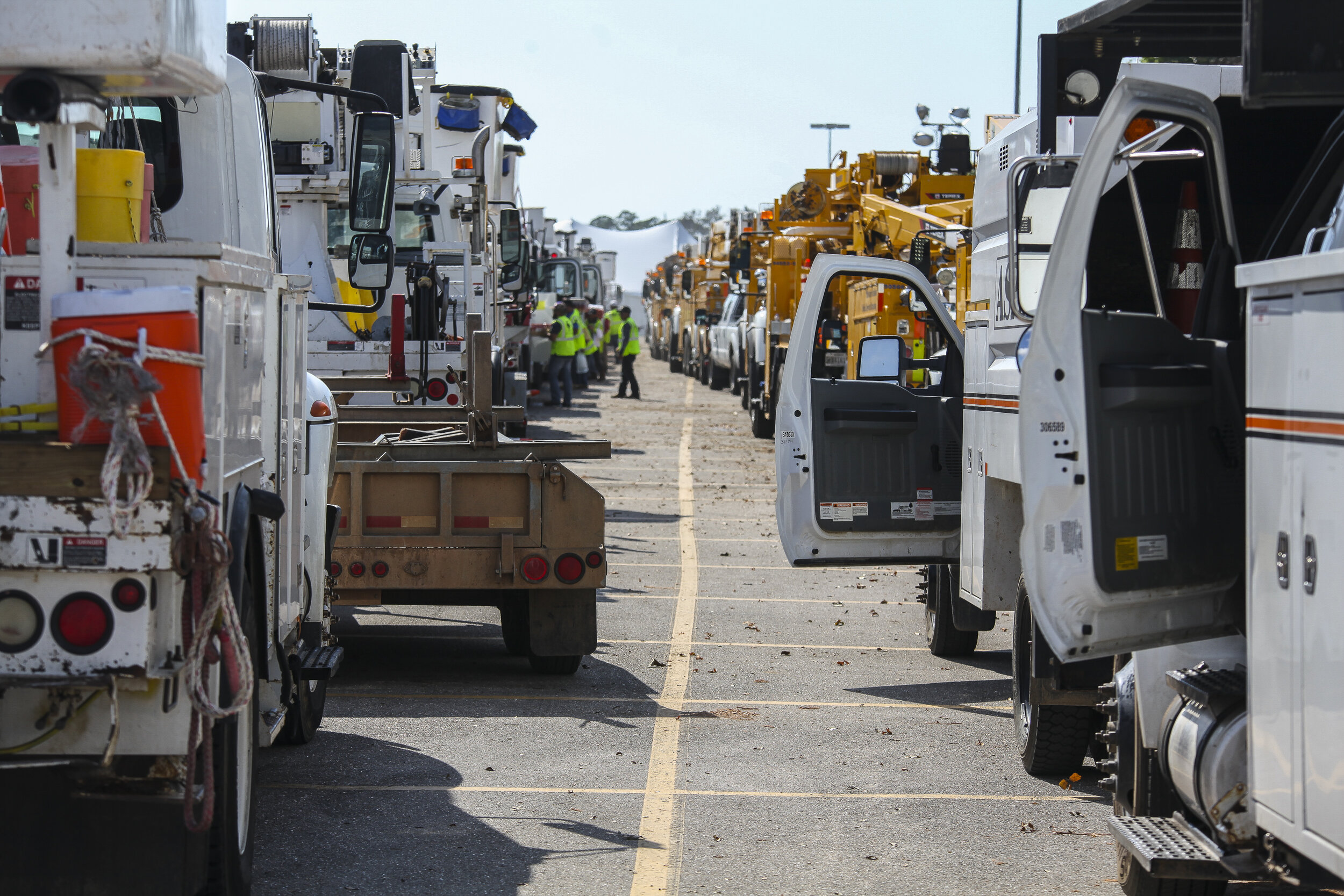 Image credit: FEMA - Utility Trucks and Crews Line up To Help