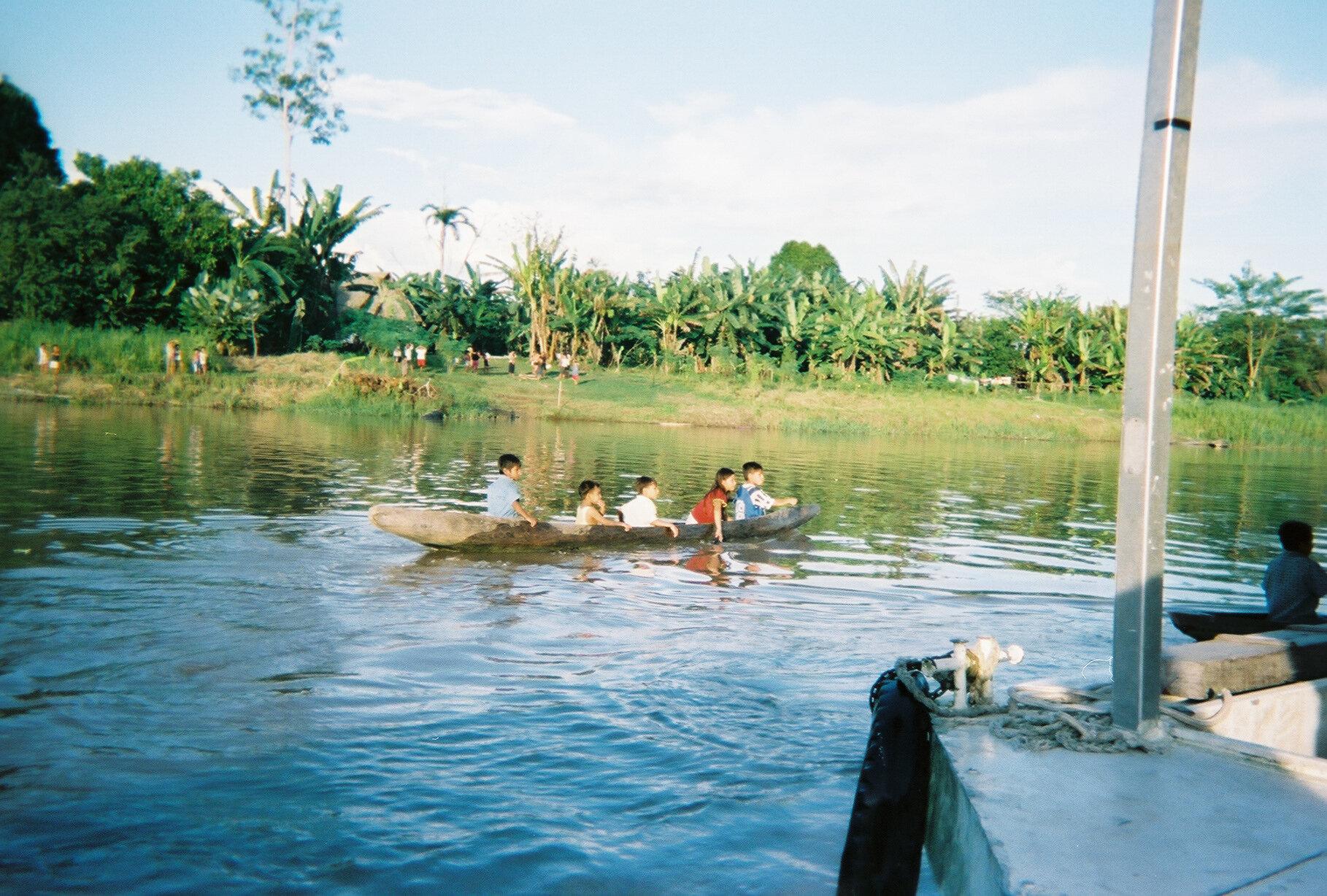 kids canoe.jpg