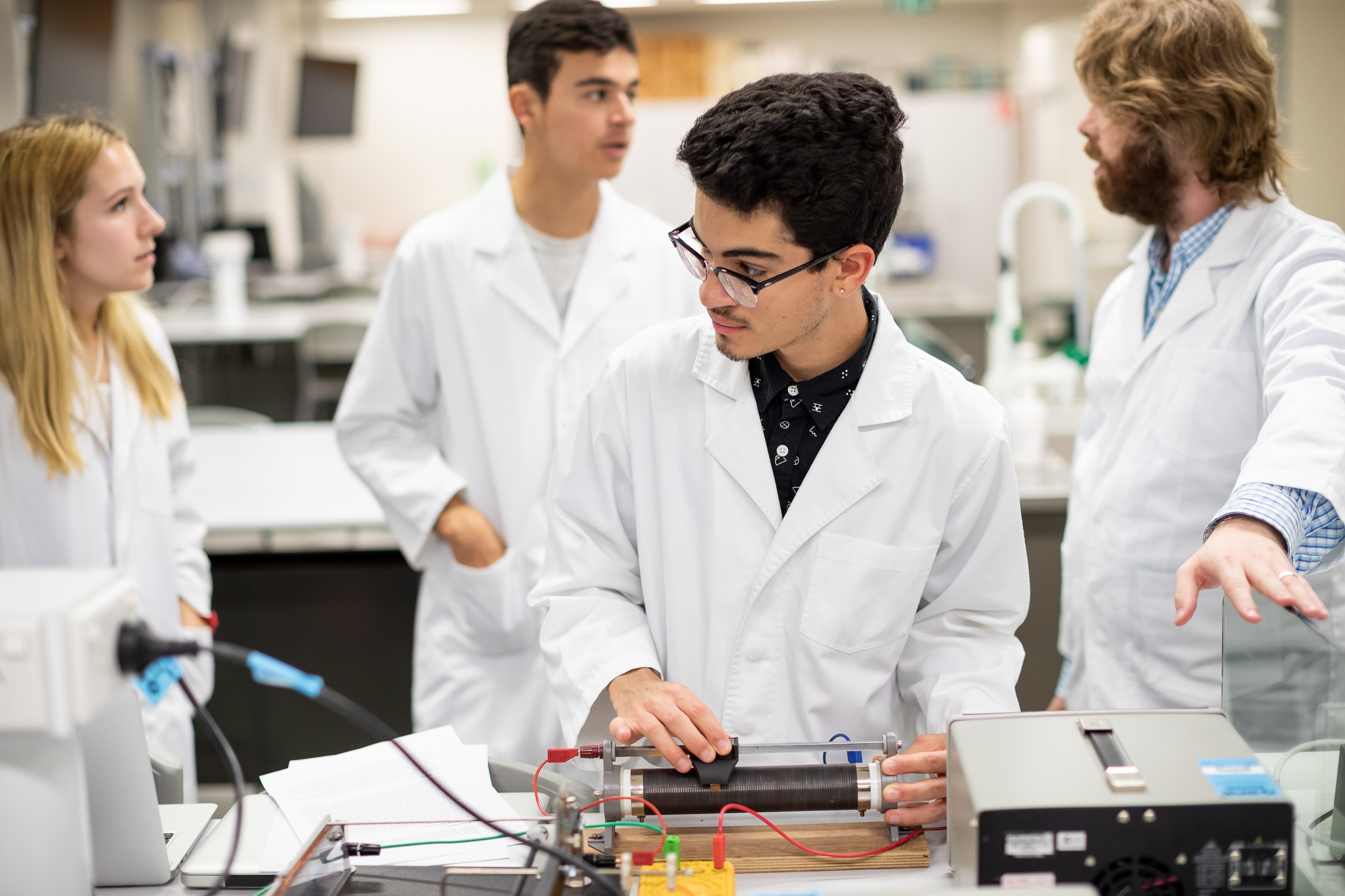 Class - Physics Lab - Quentin Roper - NYU Sydney 2018