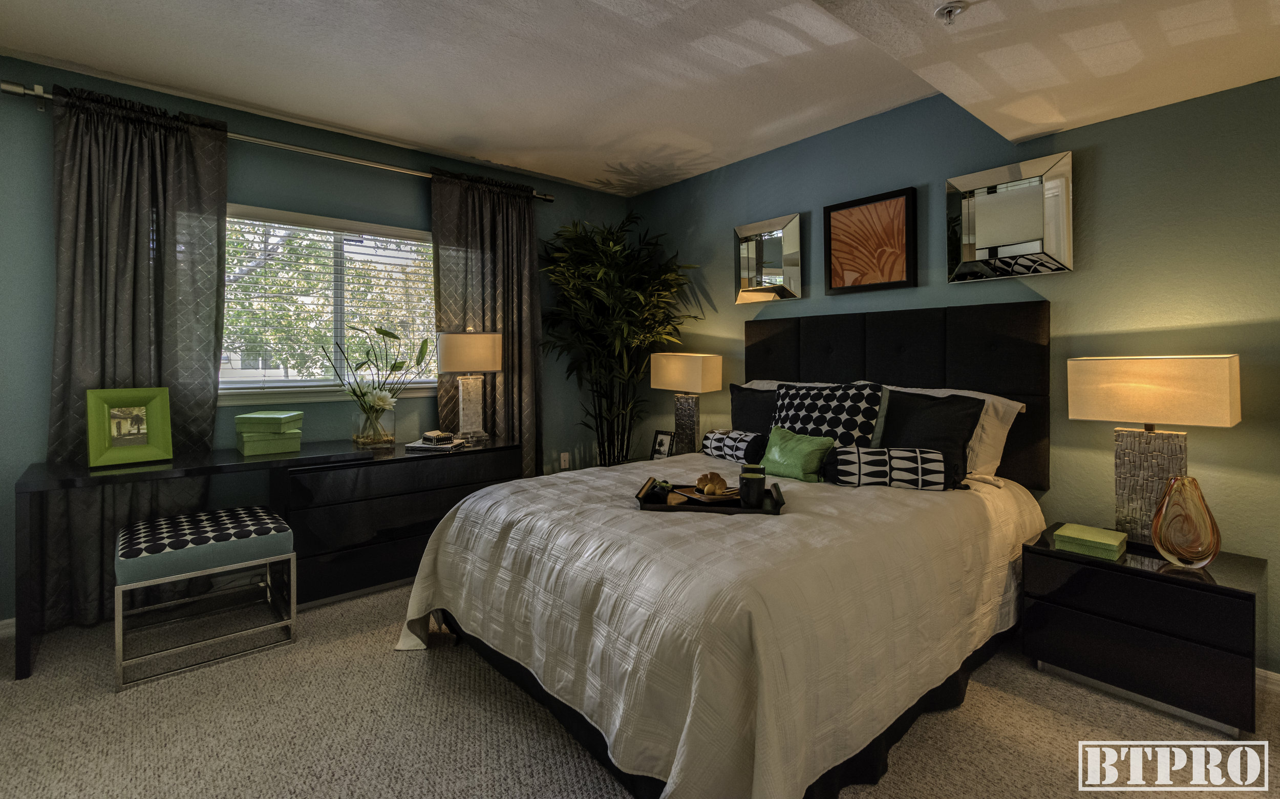 The-Palms-Bedroom-1.jpg