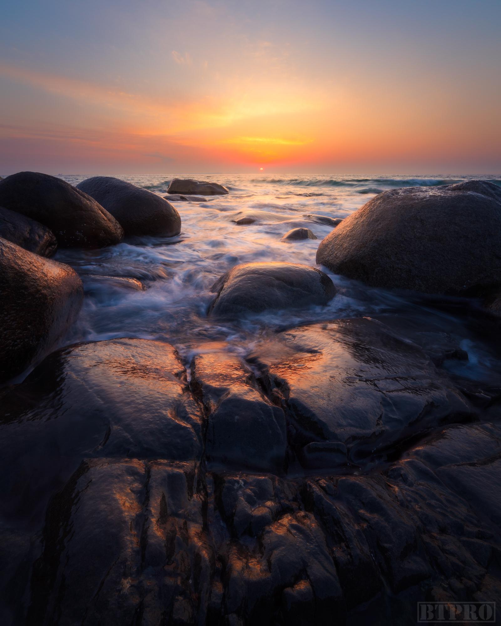 Sunset at Uttakleiv Beach