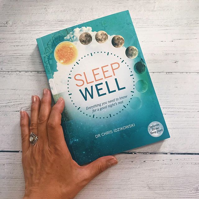 Happy Publication Day to 'Sleep Well'! This book will improve your sleep, health and quality of life — making sleepless nights a thing of the past! Includes a 20 day sleep diary). ⠀⠀ With this book you will learn how to: 💤 Create restful sleeping environment 💤 Learn the benefits of pre-sleep rituals 💤 Understand the effects food and drink have on sleep patterns 💤 Explore techniques to battle insomnia  The book is written by Dr Chris Idikowski the director of the Sleep Assessment and Advisory Service, based in the UK Link for book in bio✨ . . . . . #sleep #sleepy #sleeping  #healthmatters #healthyhappylife #holisticlifestyle #holisticliving #holisticmedicine #iamwellandgood #liveinspired #mindfulliving #nourishyourself #nontoxicliving #naturalhealth #insomnia #sleeptight #anxiety #stress #instaanxiety #cure