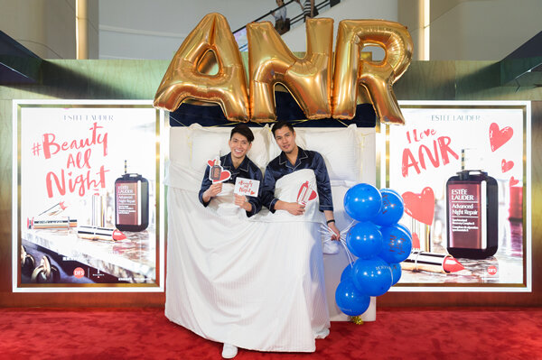 Shoppers-celebrated-the-launch-of-the-BeautyAllNight-campaign-at-T-Galleria-Beauty-by-DFS-in-Hong-Kong-with-an-interactive-photo-booth.jpg