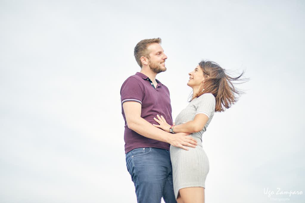 rire de couple - photographe la rochelle ile de ré