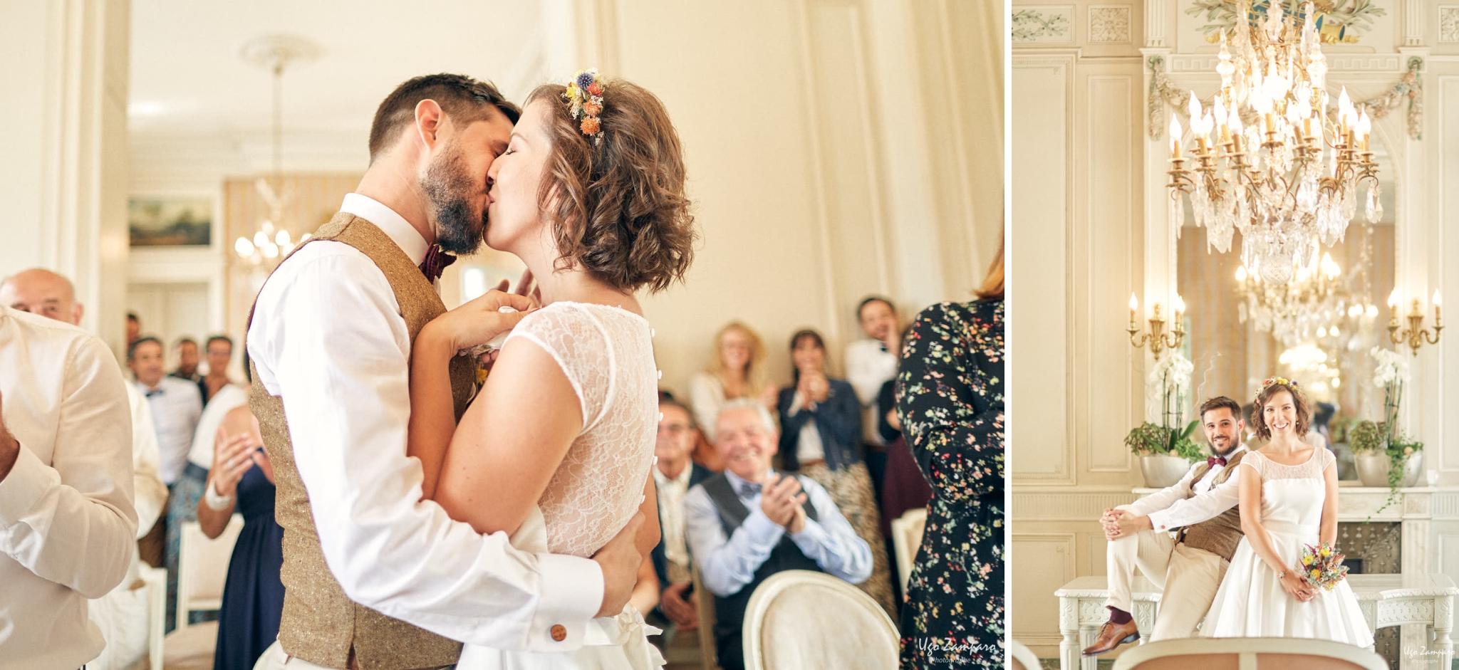 Baiser des mariés à la mairie de Talence