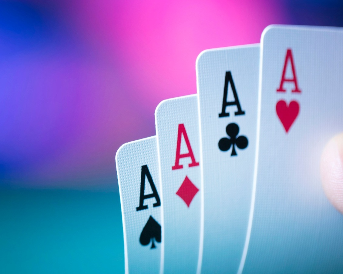 Feel the heat of competition while learning change skills. - Whether players bluff, bet or are bold enough to go all in, Transition Poker™ tests their knowledge and skill at leading change when the stakes are high!