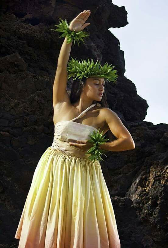Hula dancer.jpg