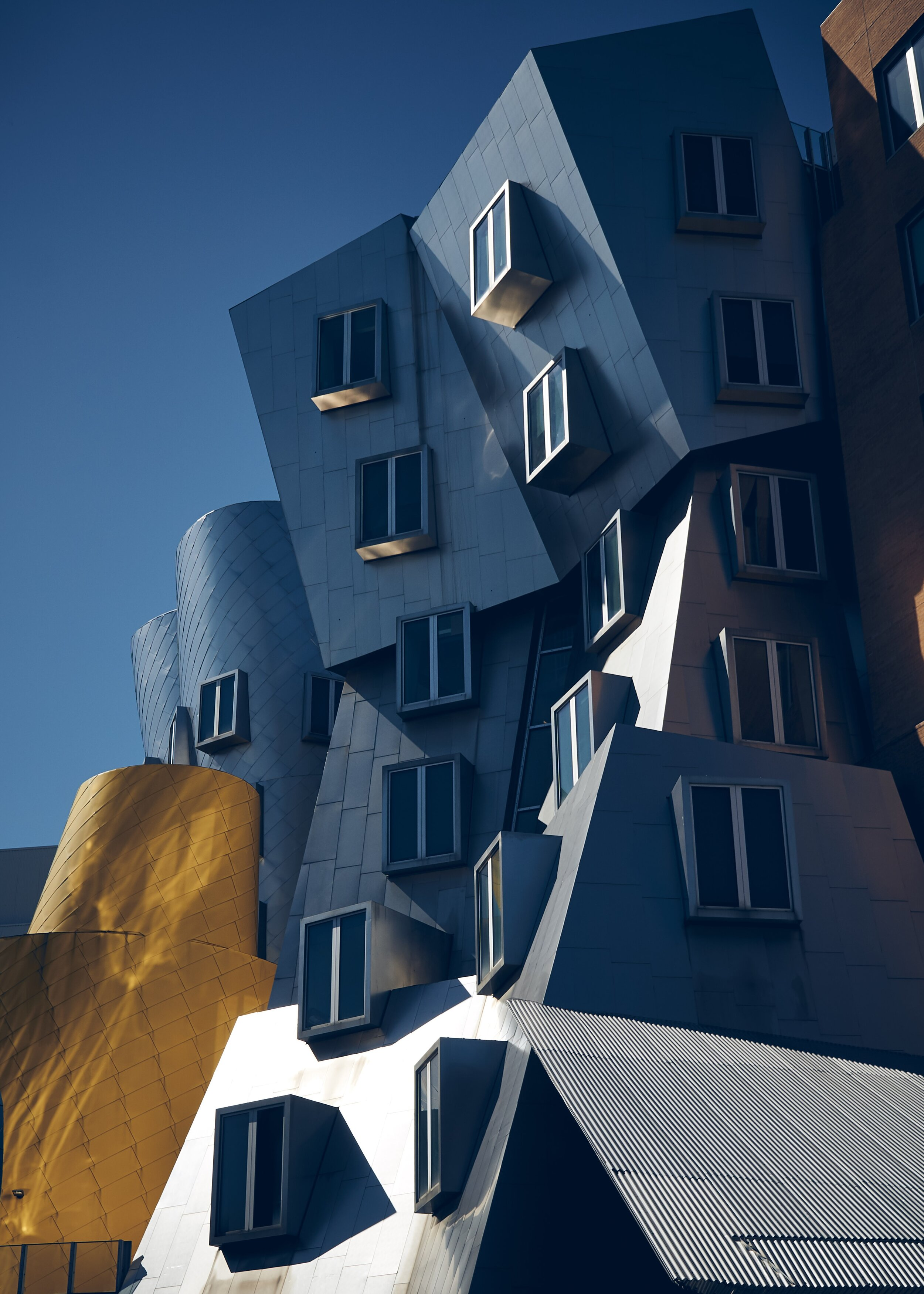 Ray and Maria Stata Center MIT, Photo by  Mark Boss  on  Unsplash