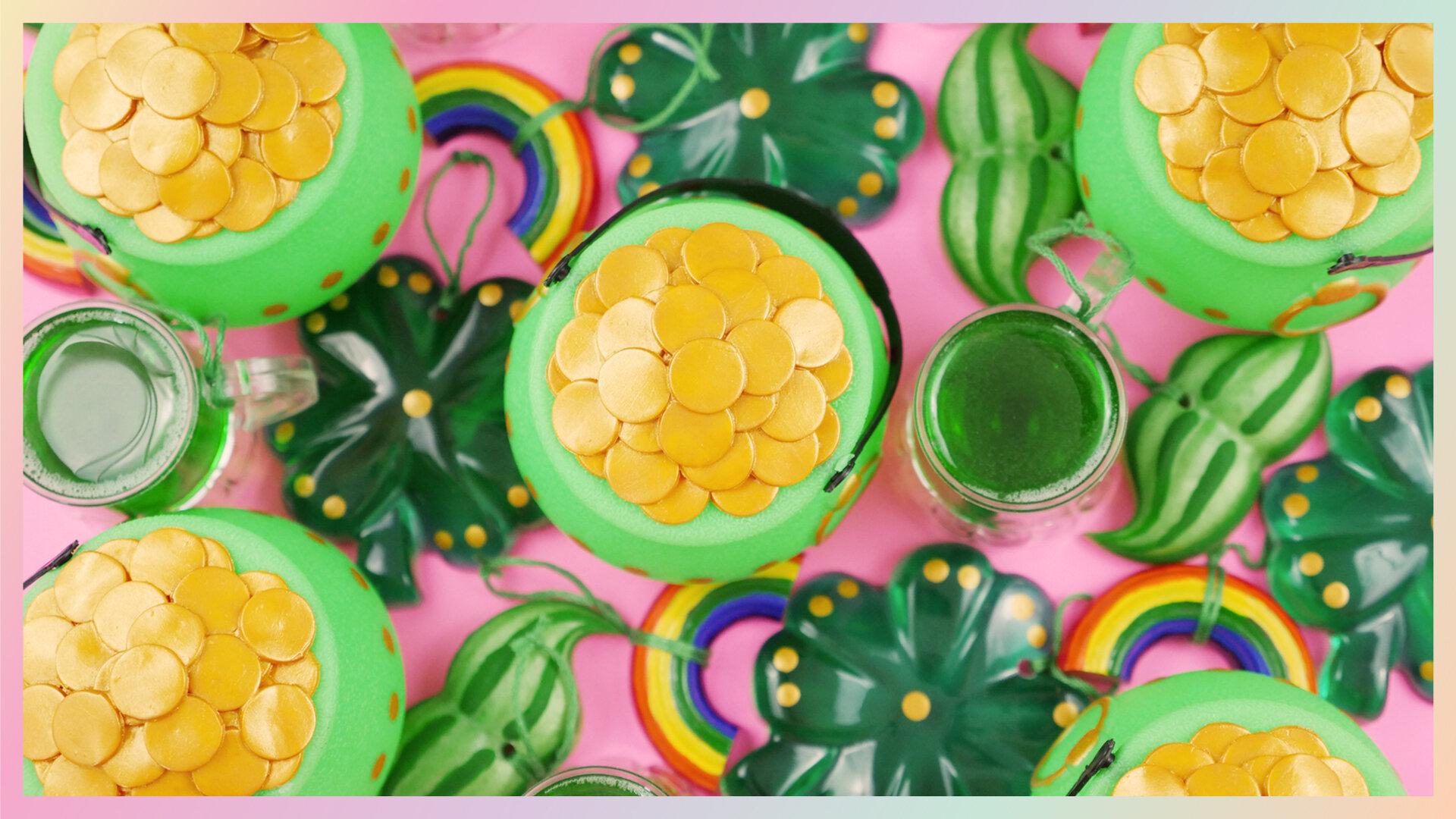 Amosfun holz vierbl/ättriges kleeblatt ornamente st patricks day diy holz kunsthandwerk kleeblatt holz h/ängende verzierungen gastgeschenke dekorationen 20 st/ück