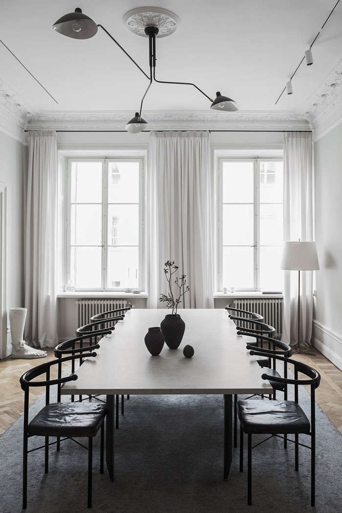 Chic-home-of-interior-designer-Louise-Liljencrantz-2.jpg