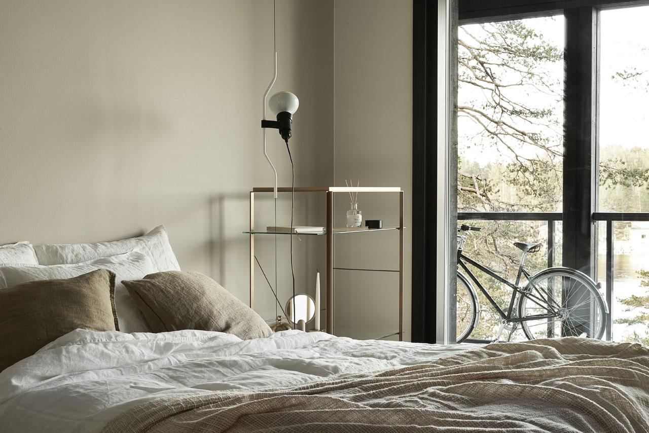 Susanna-Vento-for-Kannustalo.-Bedroom-in-beige-hues.jpg