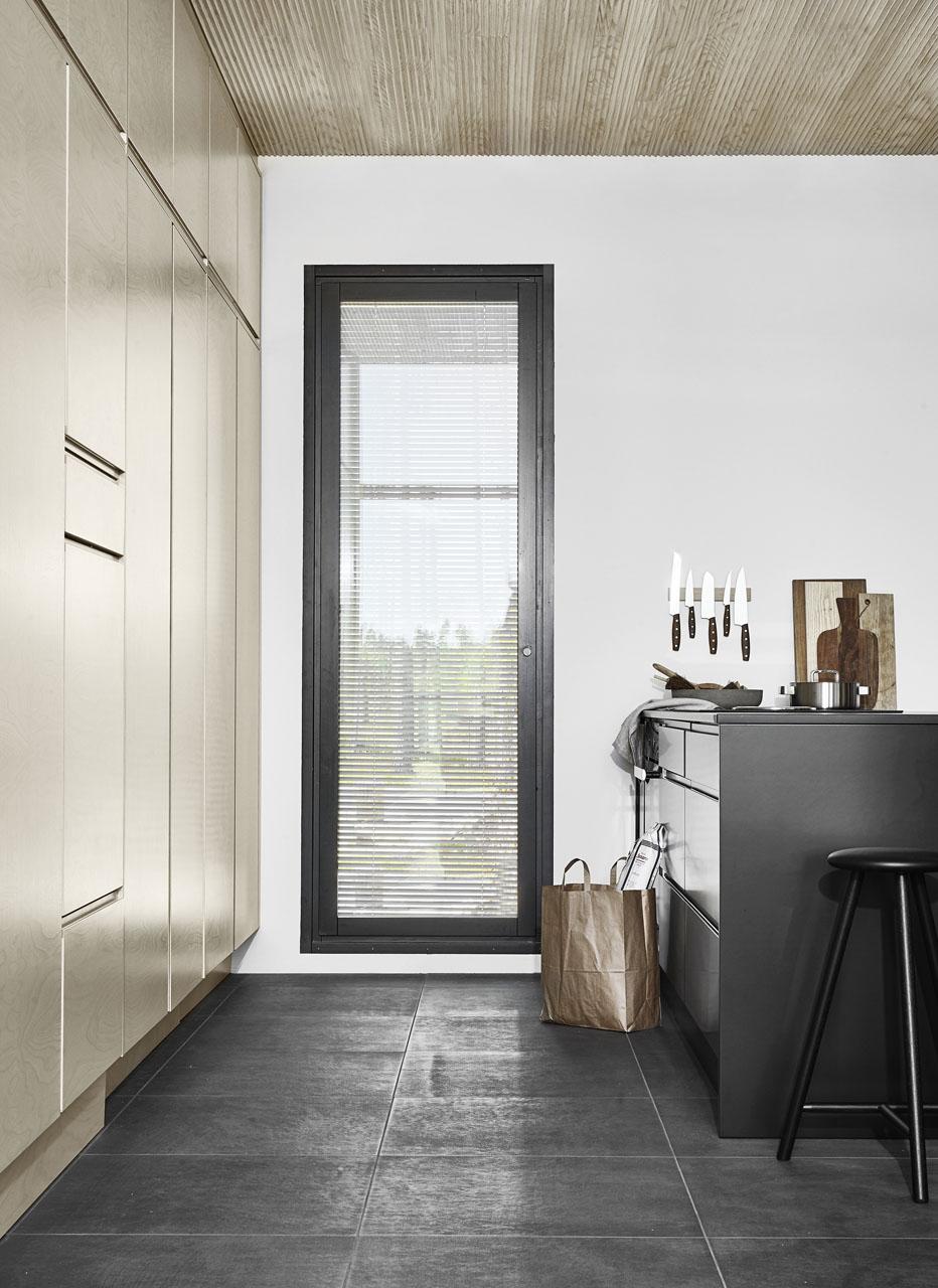 Susanna-Vento-for-Kannustalo.-Minimal-kitchen-design.jpg