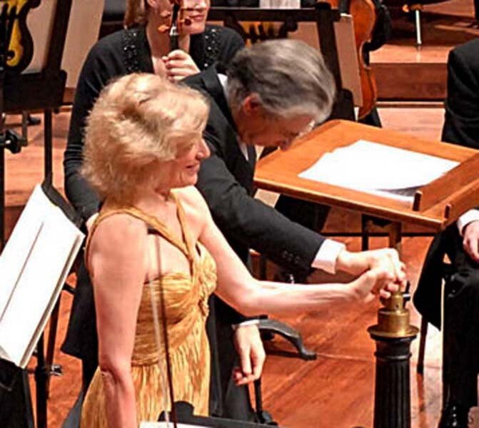 with Michael Tilson Thomas and SaFransisco Symphony Orchestra. Photo Deborah Robison.