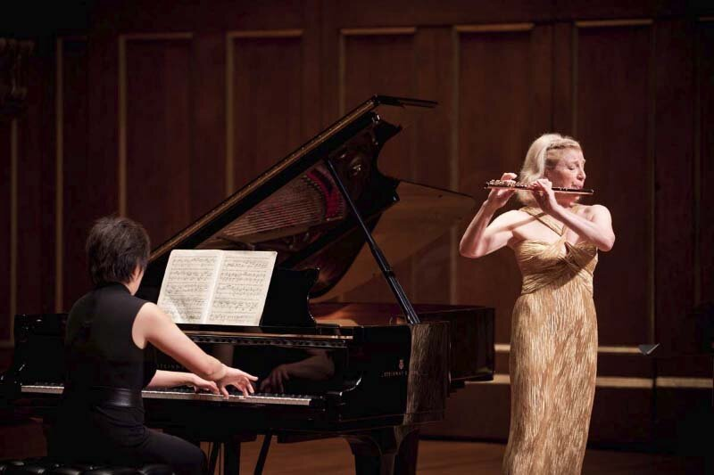 with Katherine Chi, piano. Jordan Hall, Boston. Photo Jesse Weiner.