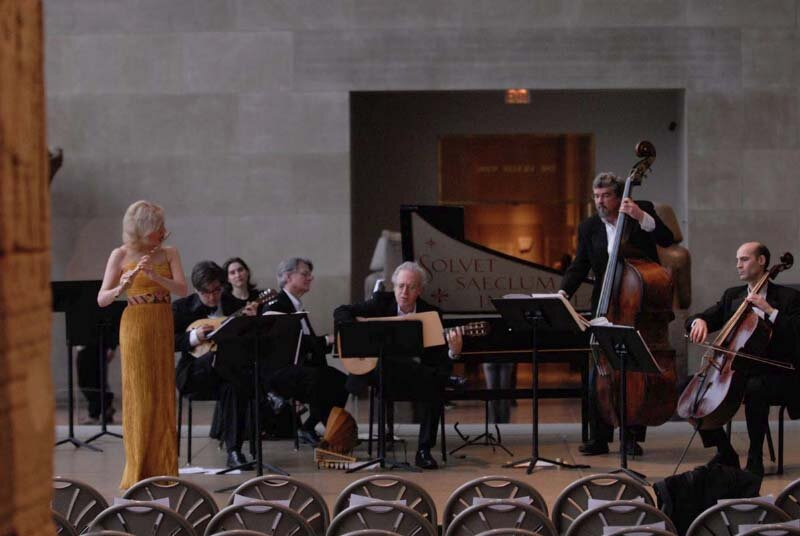 Vivaldi in the Temple of Dendur, Metropolitan Museum of Art, New York. Photo Stefan Cohen.