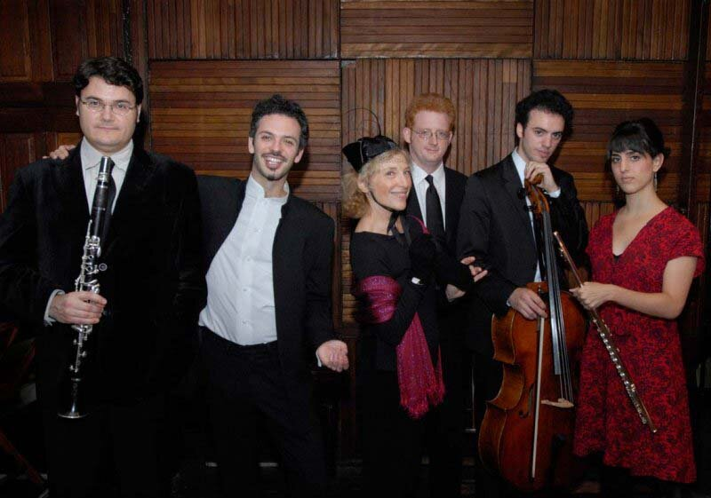"""Pierrot"" at the Barge (left to right): Pascal Archer, Colin Jacobsen, Paula Robison, Steven Beck, Eric Jacobsen, Alex Sopp, New York. Photo Stefan Cohen"