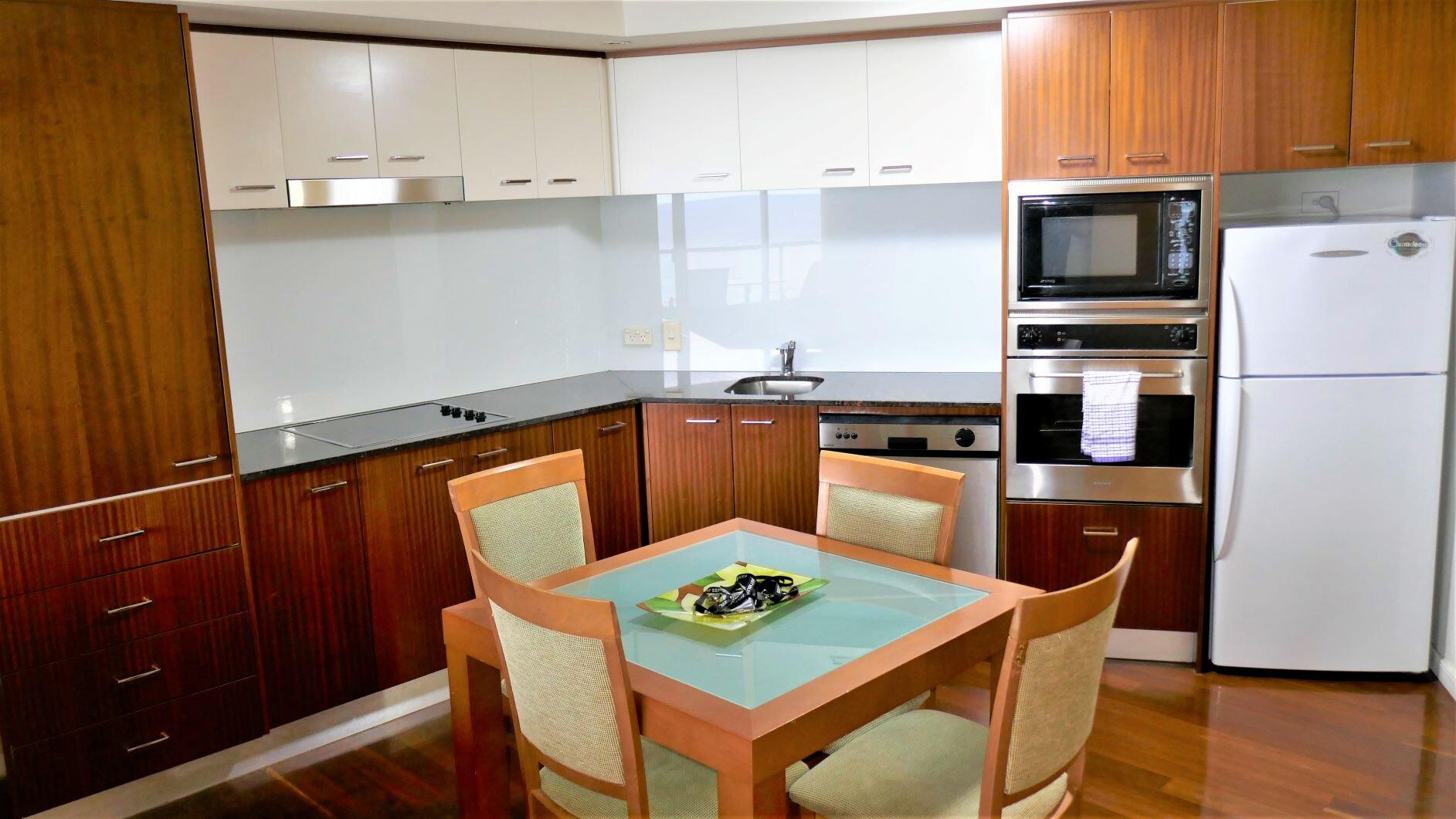 Lounge & Dining (1).jpg
