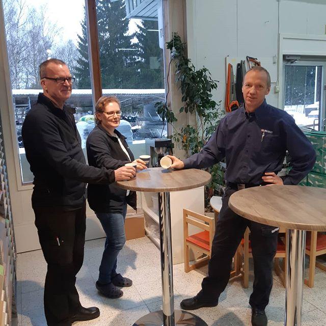 Runebergsgatan 1 bjuder på Runebergskaffe☕hela dagen, välkommen in! Runeberginkatu 1 tarjoaa Runeberginkahvit☕koko päivän, tervetuloa käymään!  #praktia #järnaffär #rautakauppa #paikallinenrakentajapartnerisi #dinlokalabyggpartner #runeberg #Pargas #Parainen