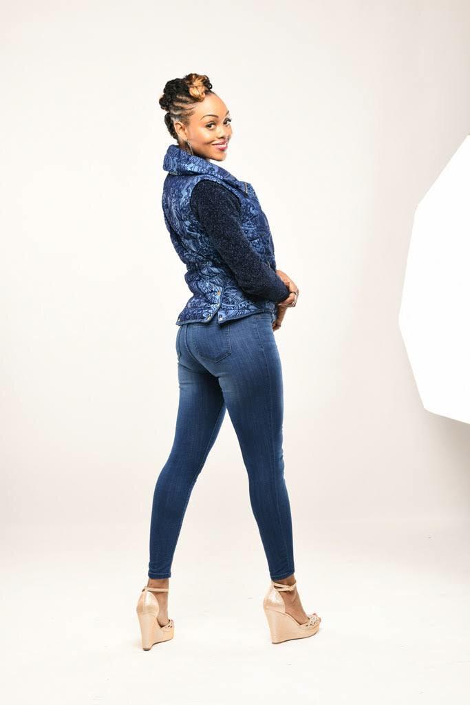 Comedian Heda Rose Promo Pic DSC_2452-1.jpg