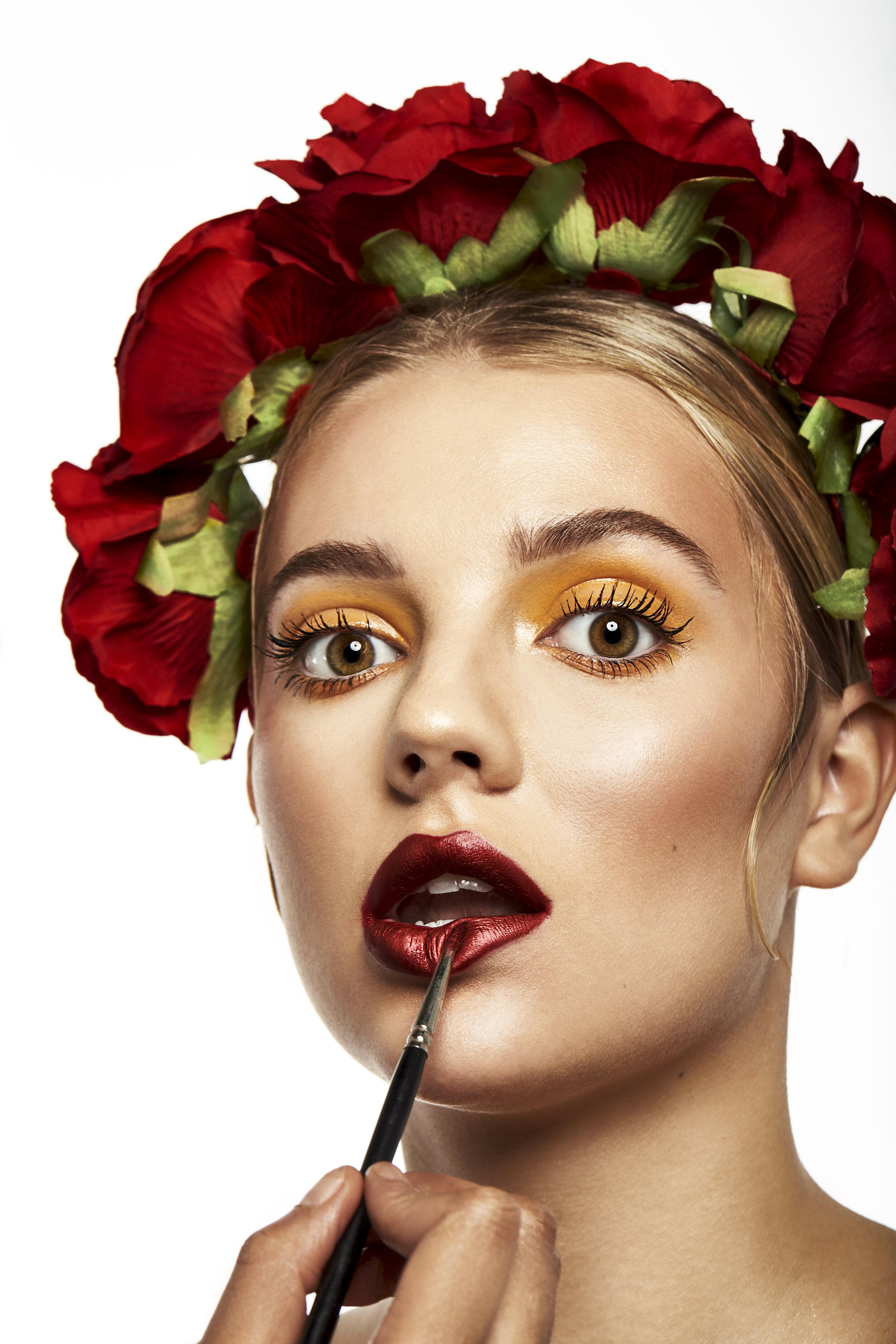 HS_Beauty_Test_Gab_Brush_1.jpg