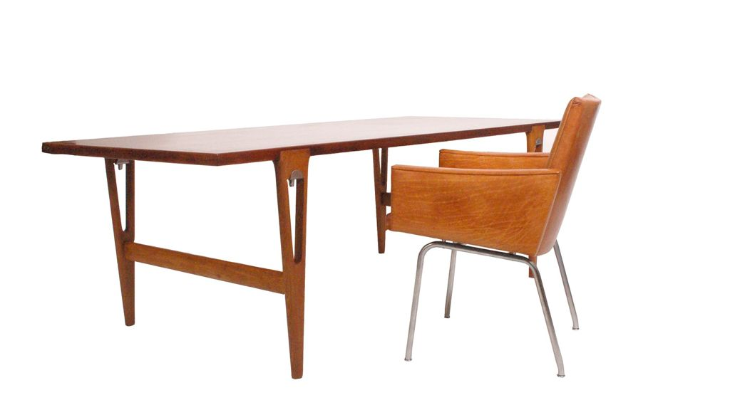 wegner-desk+chair1.jpg