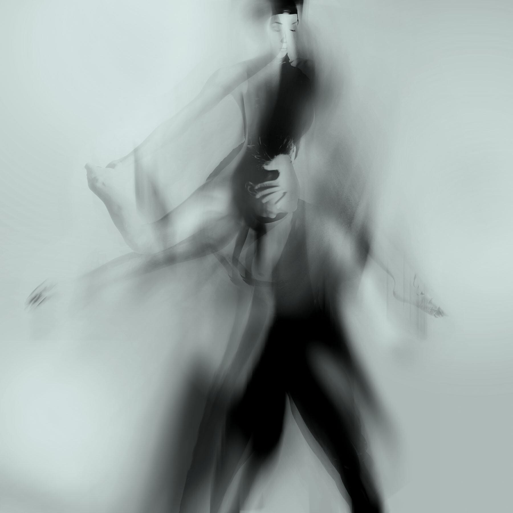 dance aIMG_6510b BW.jpg