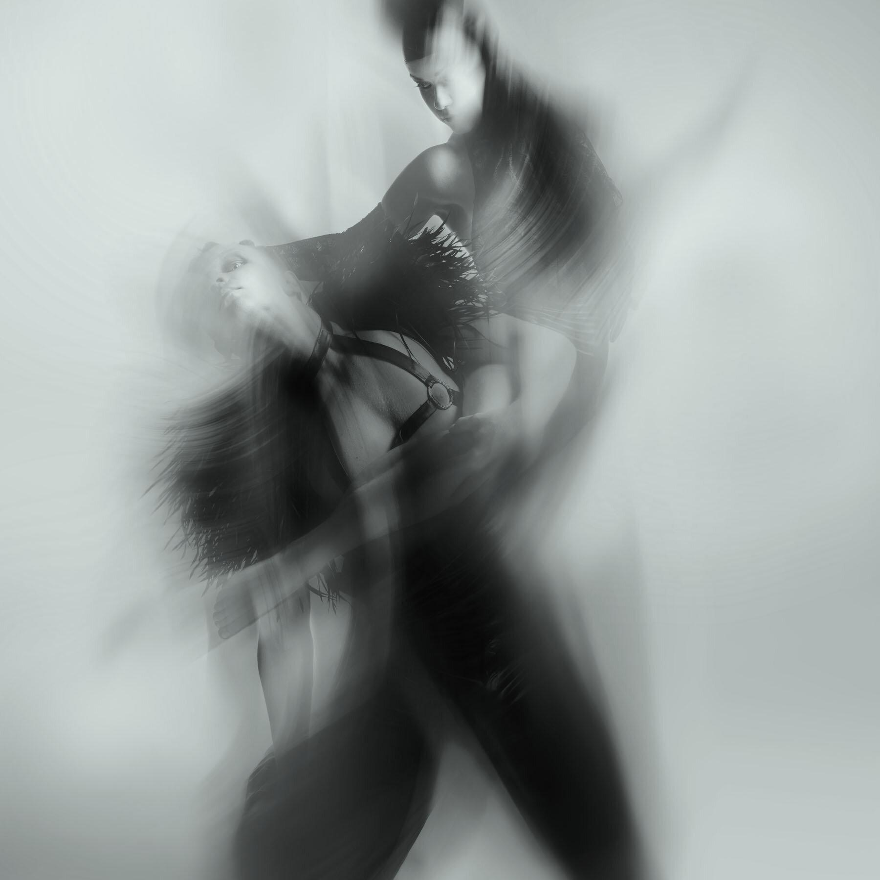 dance aIMG_6583 BW.jpg