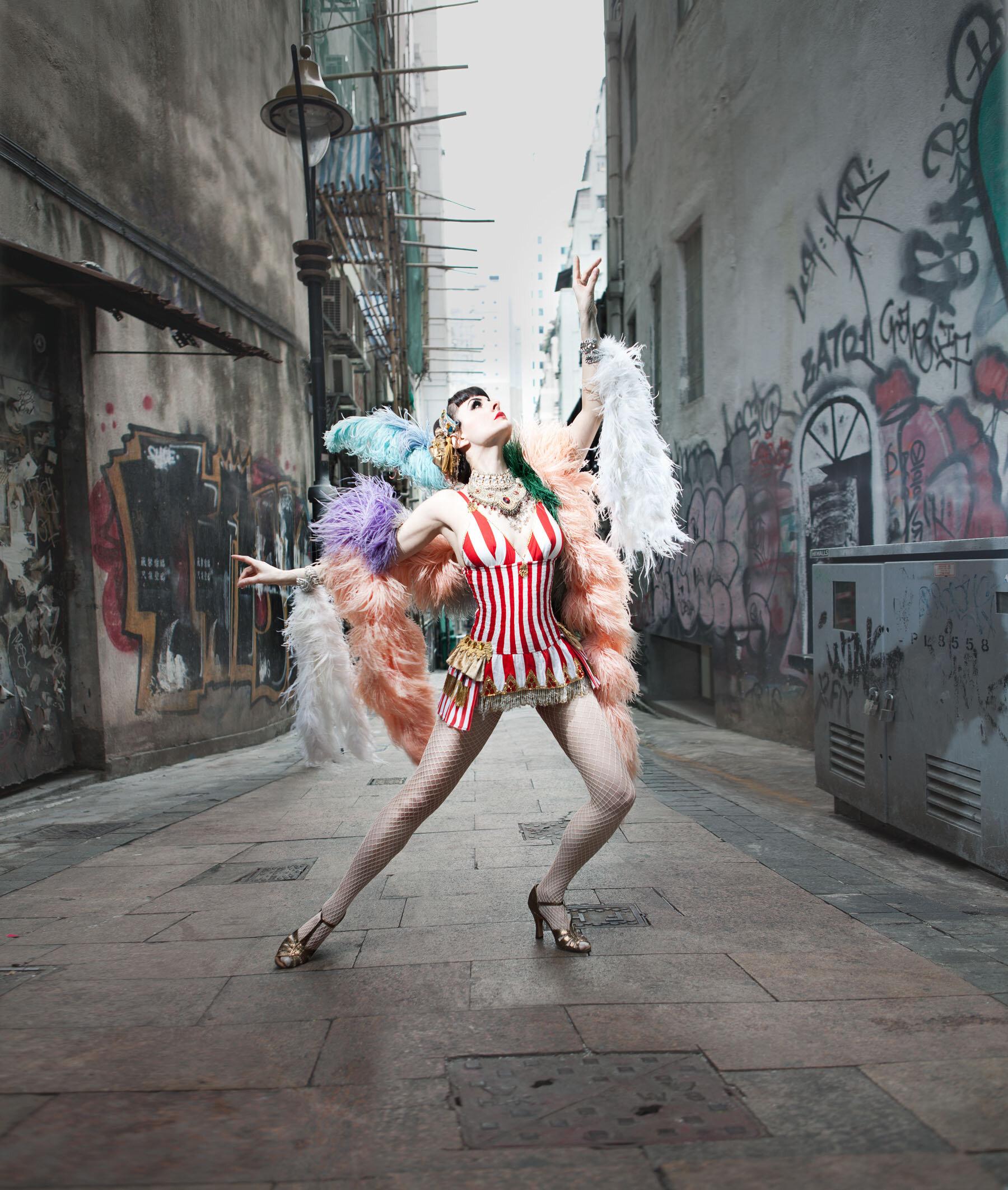 burlesque 3.jpg