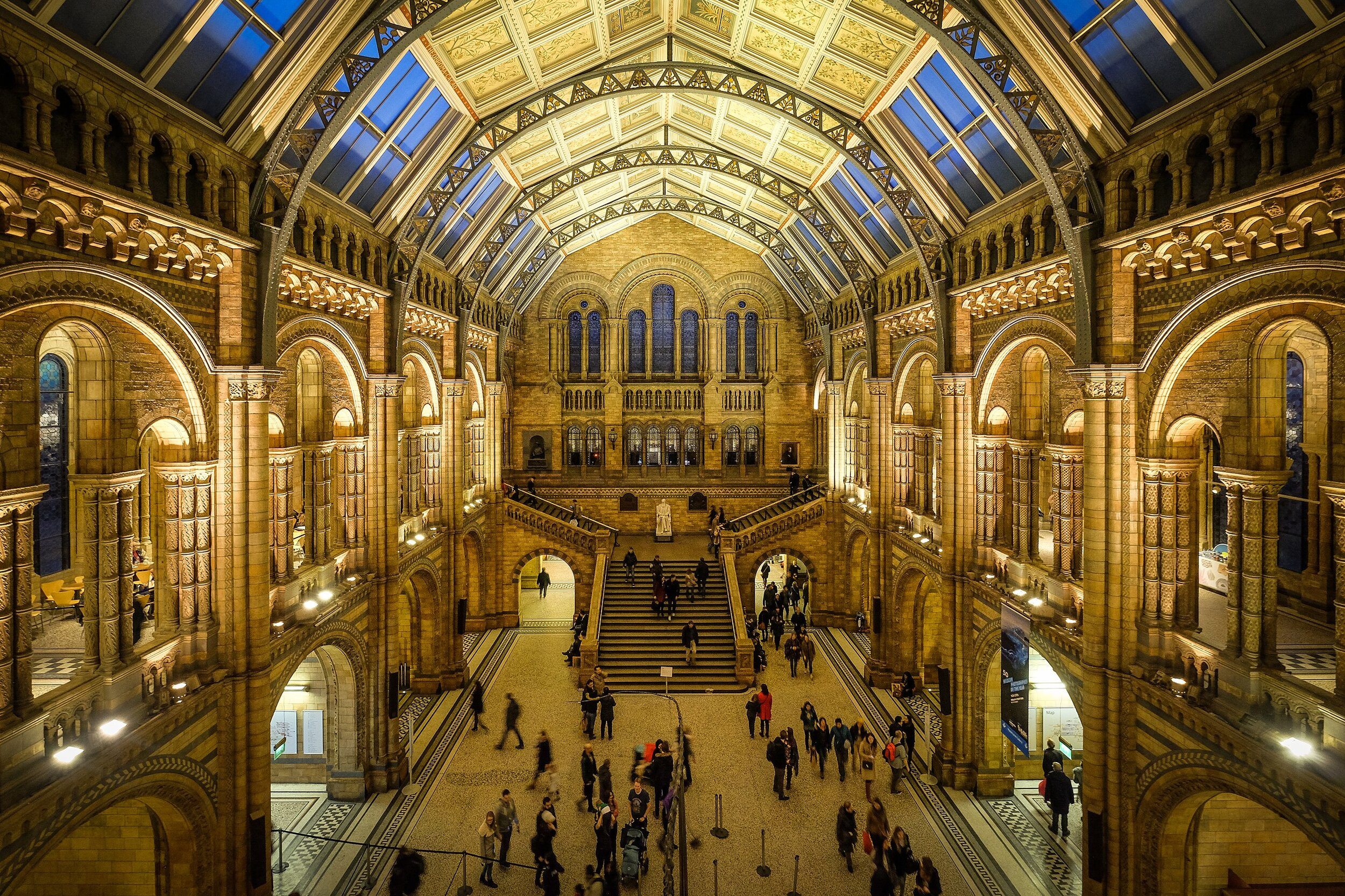 2560px-Natural_History_Museum_-_London.jpg