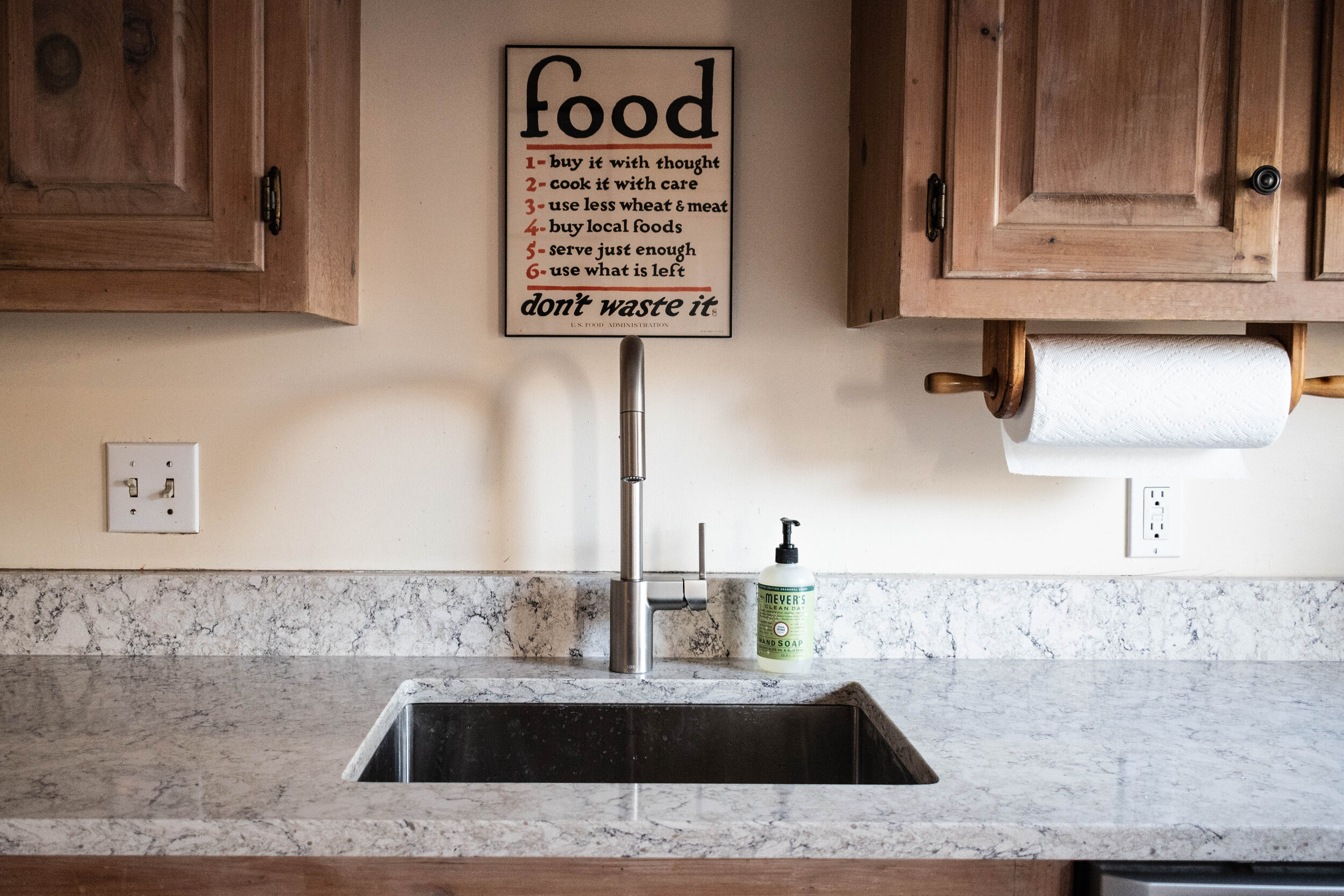 Material: LG Viatera Aria  Thickness, Finish & Stone Type: 3CM Polished Quartz  Edge: Pencil  Sink: Client's Sink: Under-Mount