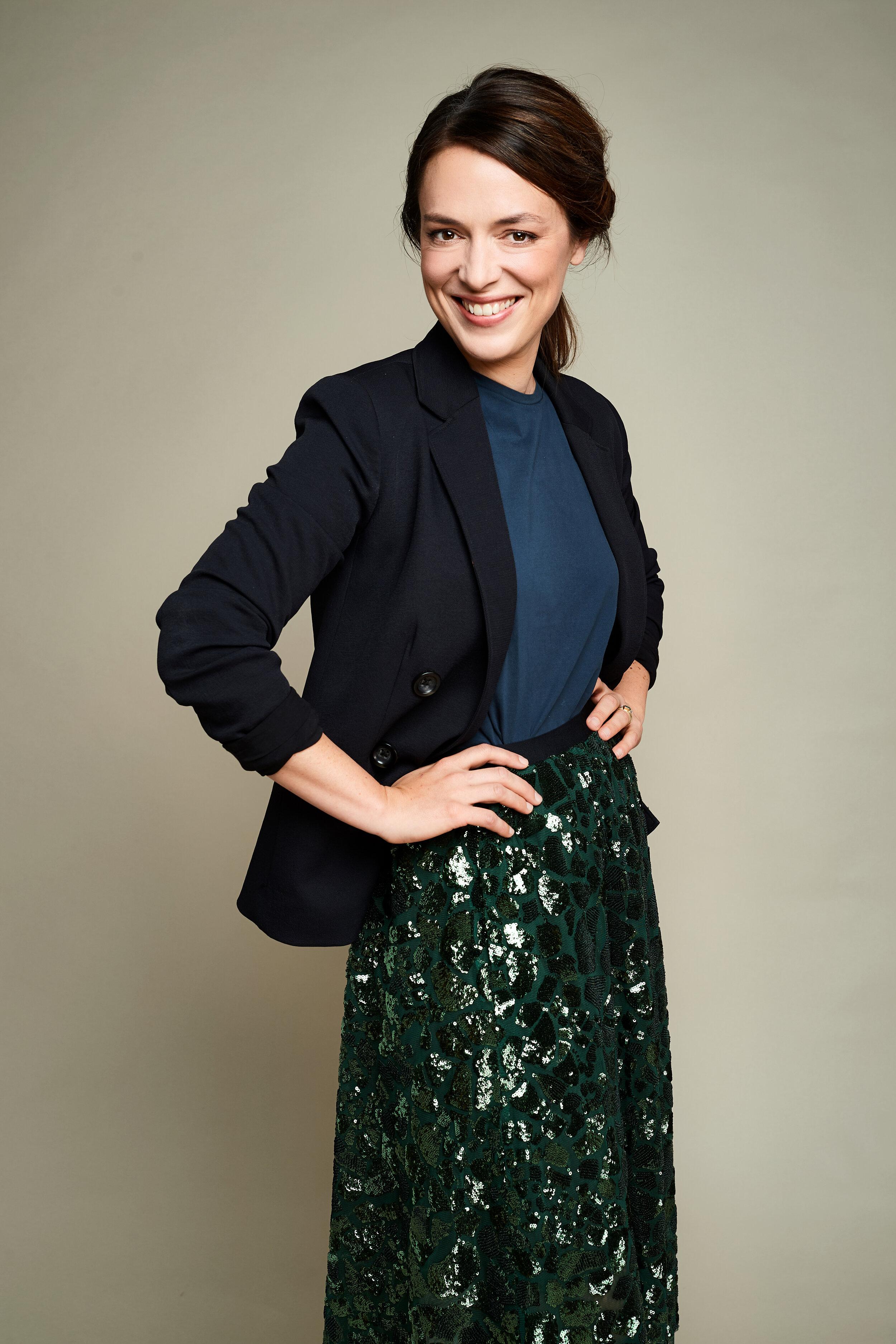 Coralie portrait jupe paillettes