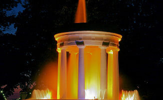Relax in the park at the Brooks Memorial Fountain in front of the Inn. At night see the light show of 96 color variations and its center spray rising to a majestic height of thirty feet (May-mid October).