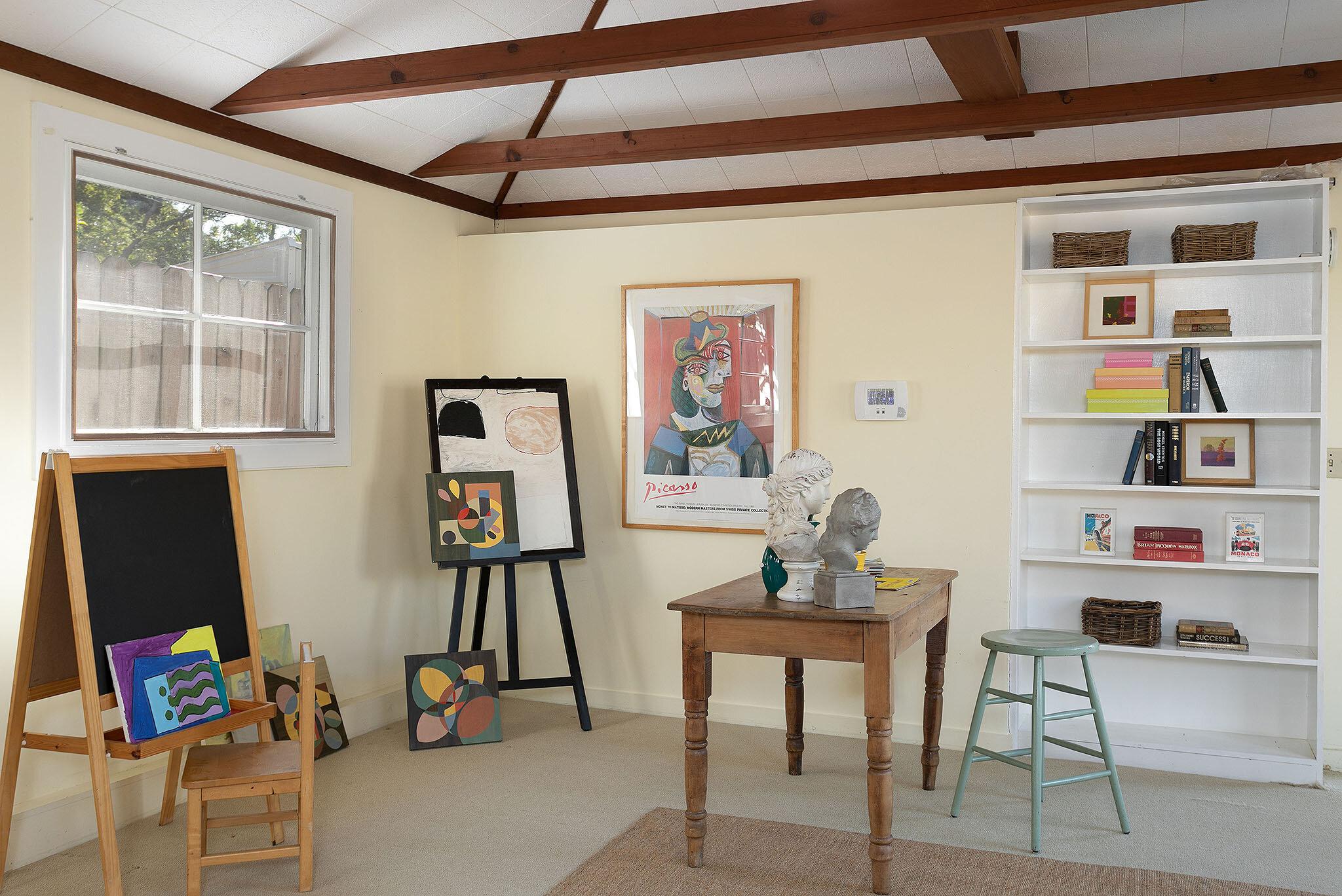31 Cottage in2.jpg