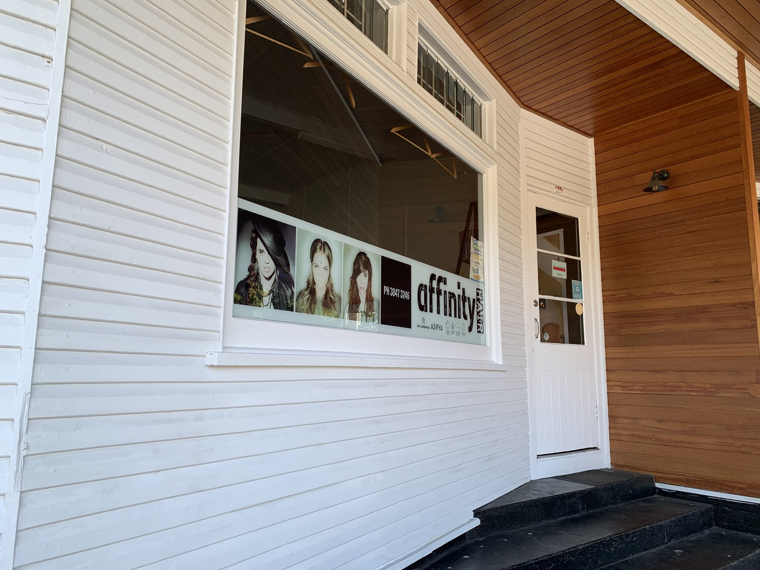 Our Salon - Affinity Hair has been established for more than 10 years in the leafy, inner Brisbane suburb of Tarragindi. We are proud of our long standing connection to our local community.