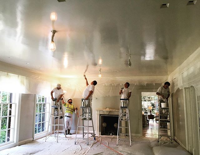Shine on!  #behindthescenes #handpainted #reflections #ourcrew #teamwork #dallaspainters #dallasdesign #customfinishes #dallascustomhomes  Happy Friday!