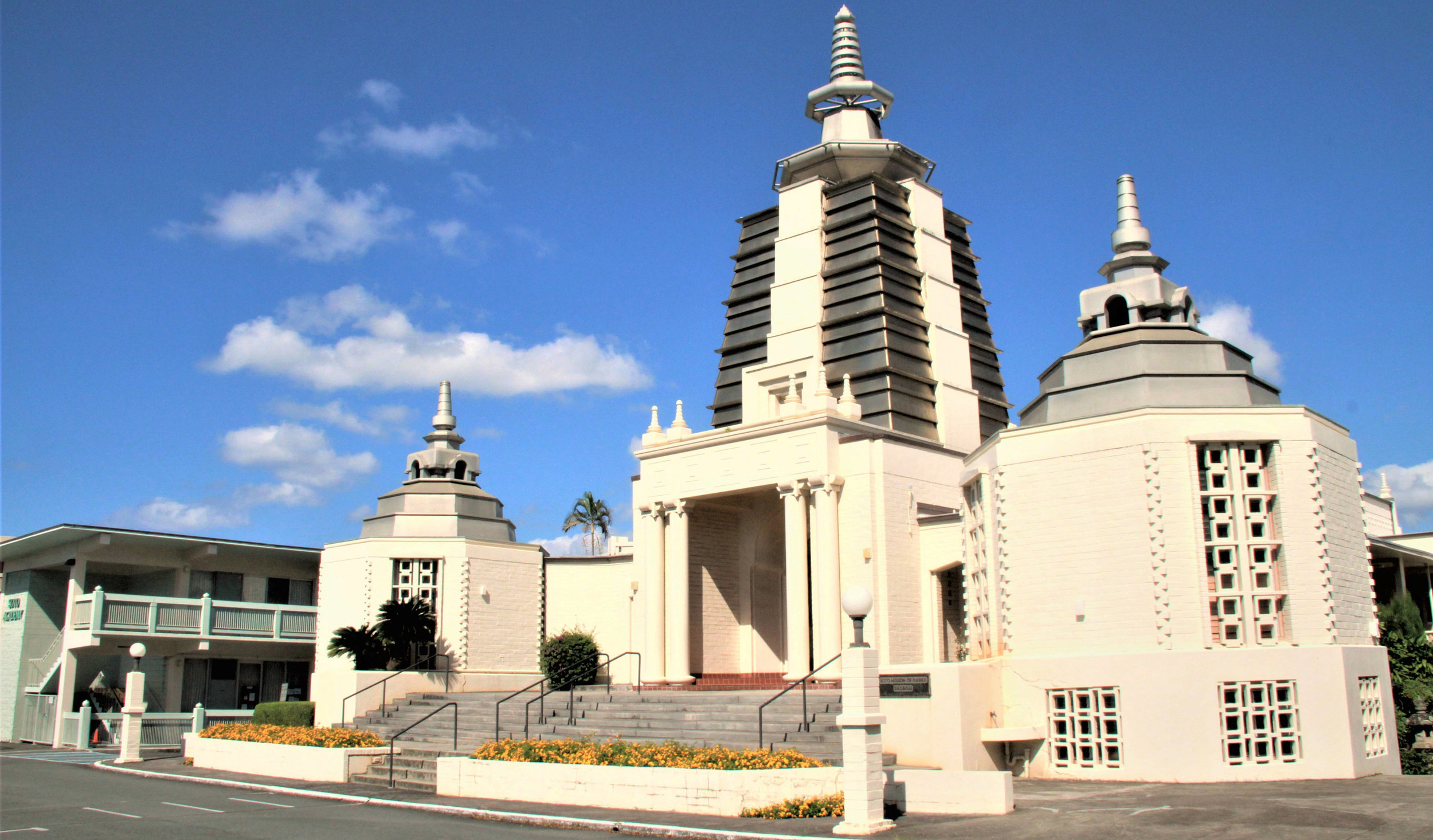 Temple-from-front-right-2013-LQ.jpg