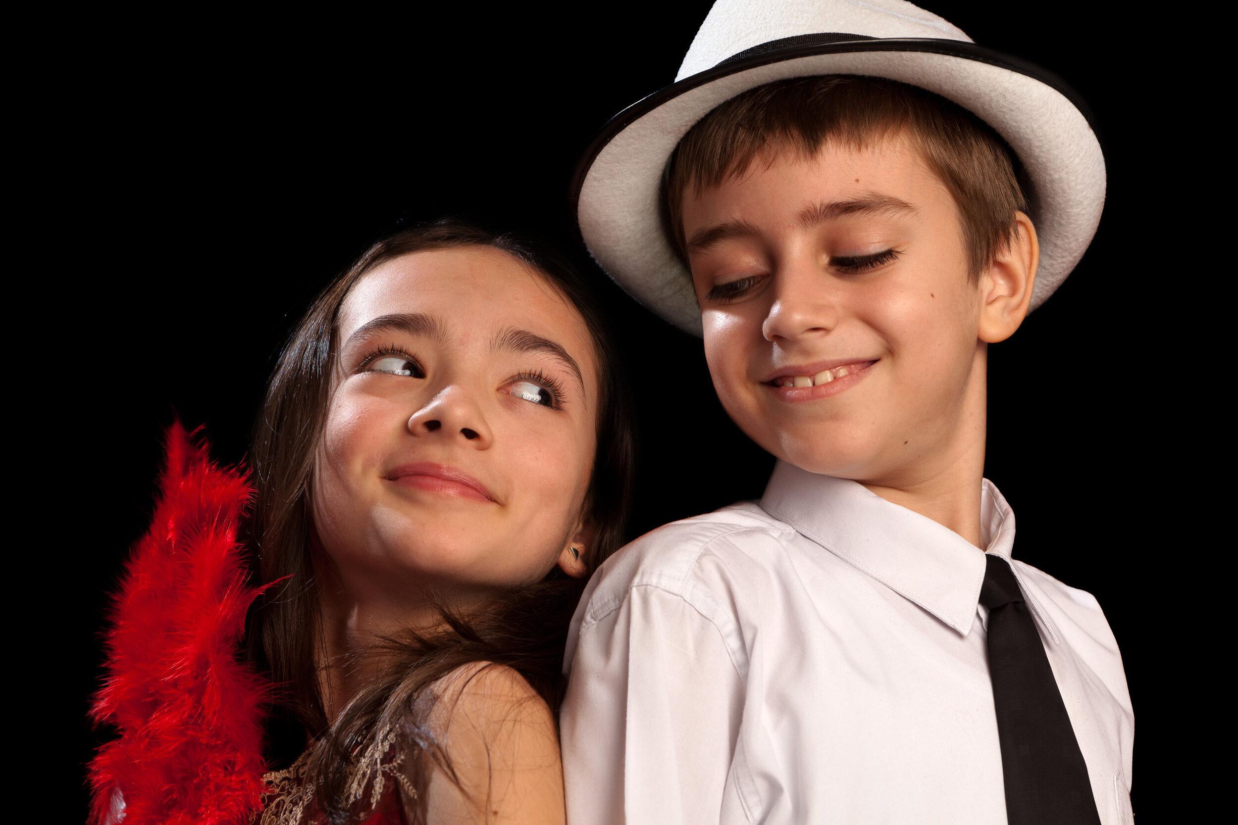 Kids_couple_ready_to_dance.jpg