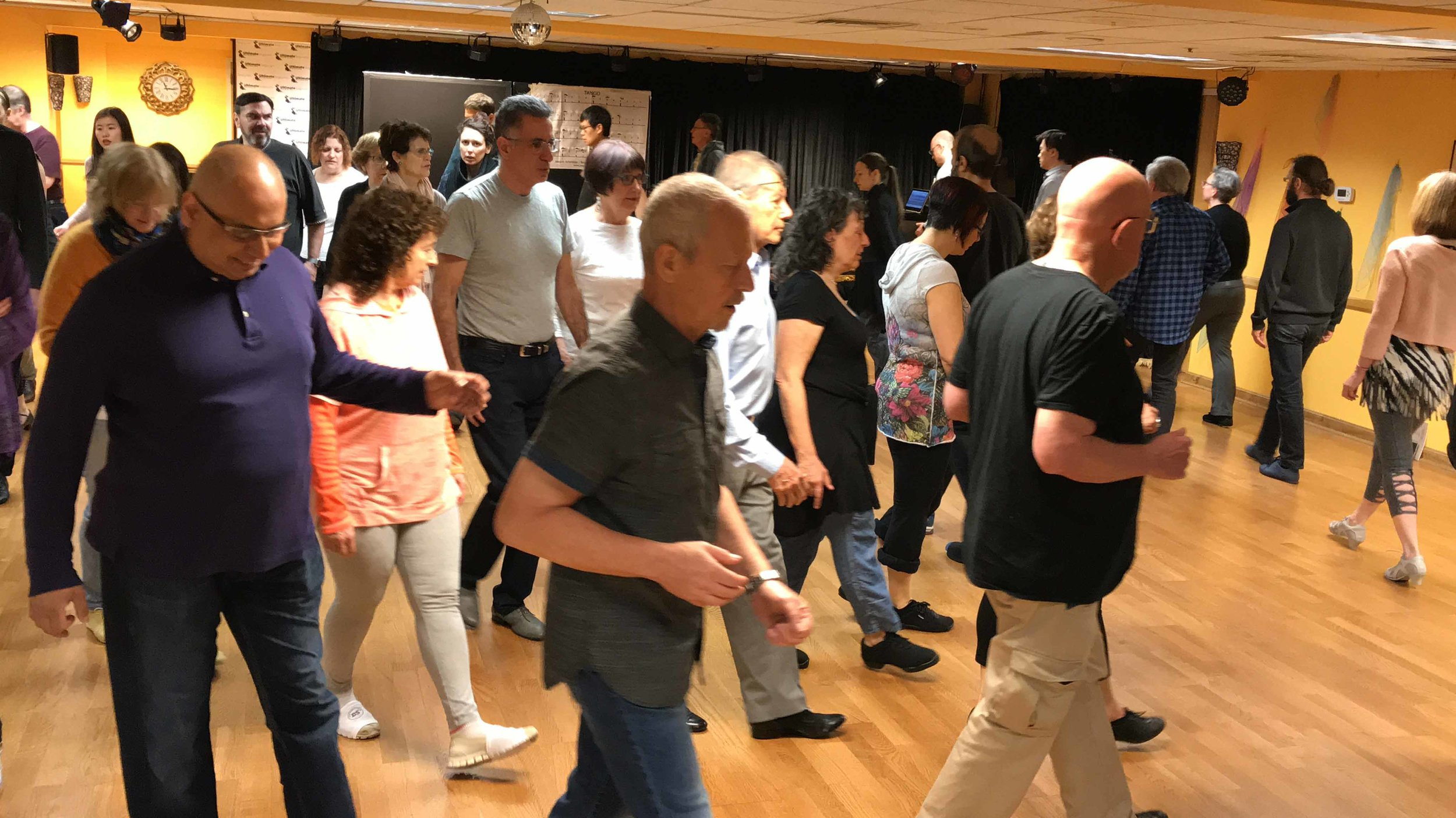 Beginner Tango Classes-3.jpg