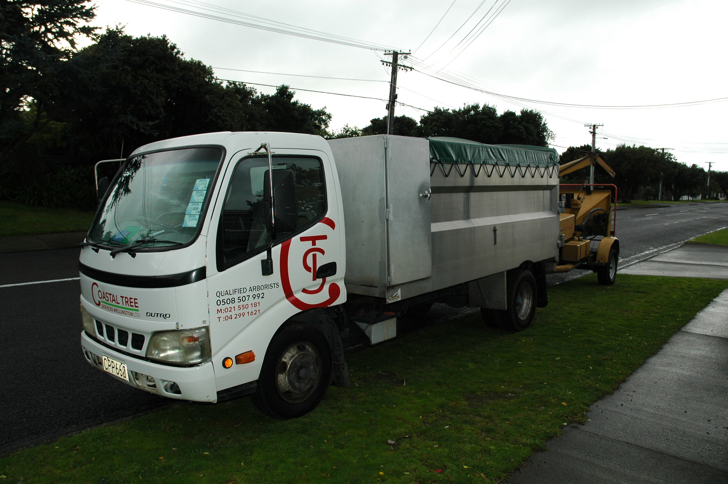 All inclusive service. - Coastal Tree Services Wellington Ltd cover all aspects of tree works & maintenance, both residential and commercial.Operating with aQualified Arborist, you can be assured that all work will be carried out to the highest possible best practice & safety standards, with the health of the tree or shrub first & foremost with minimal environmental impacts.Across the Wellington Region we can provide services such as tree removal & trimming(crown reduction, crown thinning, crown lifting and formative pruning), tree bracing / cabling, pruning,hedging & hedge trimming, stump grinding, clearing, chipping, mulching,pesticide sprayingand  tree report services. We offer these services in Wellington & the Kapiti Coast including; Wellington, Lower Hutt, Upper Hutt, Pukerua Bay, Paekakariki, Raumati, Paraparaumu, Otaihanga, Waikanae, Peka Peka, Te Horo, Otaki, Manakau, Ohau, and Levin.Our crew continuously train & maintain the best possible arboricultural standards using well-maintained & modern equipment & are adept in tree works; from the largest job to the smallest job.With our free quote system you can be assured that we will offer the best advice available, taking into account your requirements, the local environment & the health of the surrounding area.You can also feel assured by the fact that the individual who comes  and gives you the quote, will be onsite to do the work. What this means  is that you can feel confident that you don't need to explain the works  once more and that any particular concerns you expressed will be taken  into consideration.