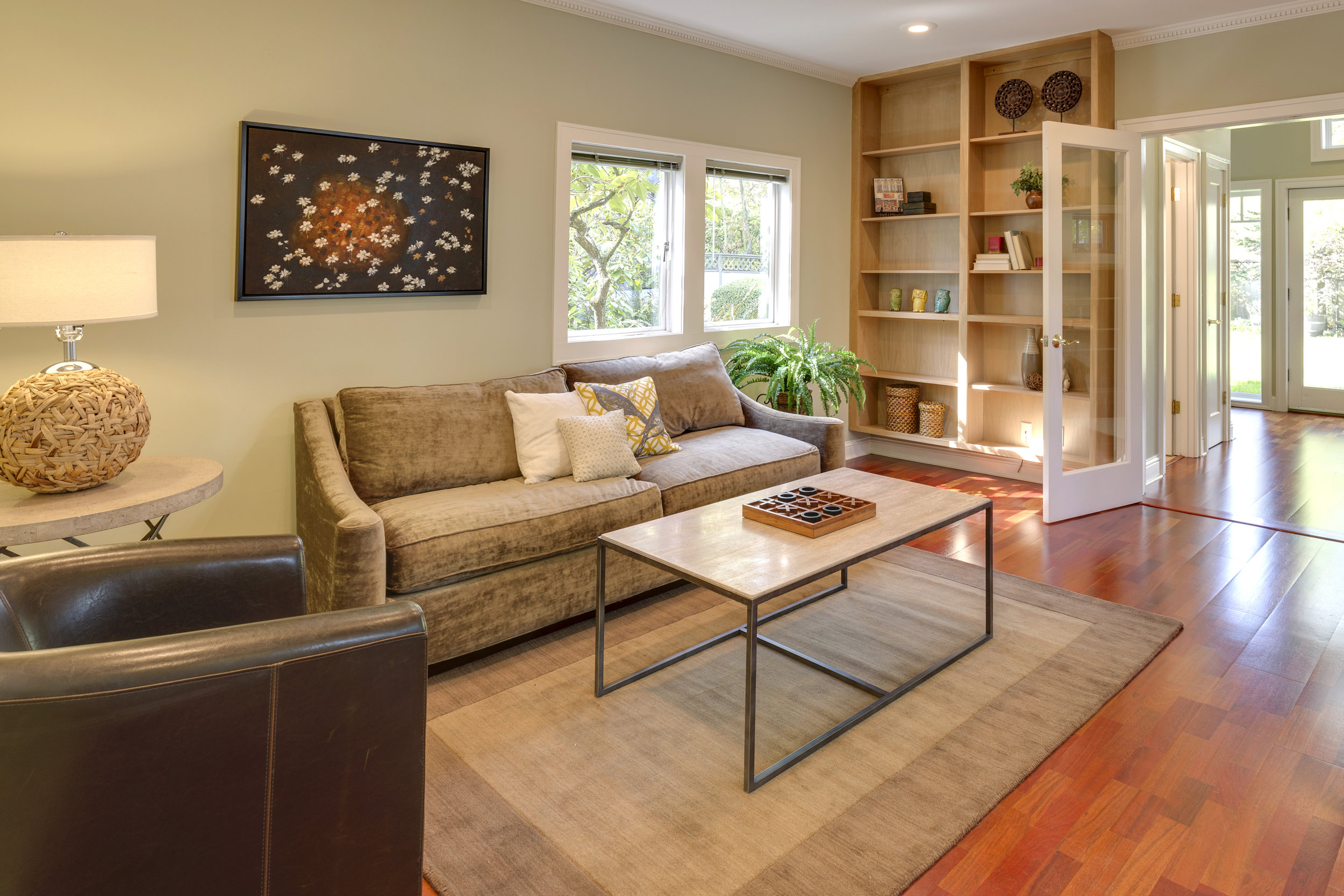 Staging Your Home - Staging is one of the free services we provide when you hire us to sell your home.Staging is a proven strategy to increase the value of your home. Buyers find it easier to visualize the home as their own & we often see an increase in showings & open house visitors when the home is staged.